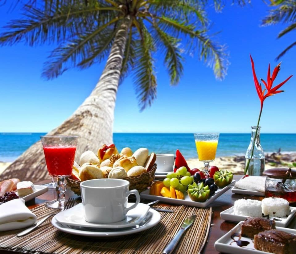 PerLaMare_Breakfast_at_the_Sea
